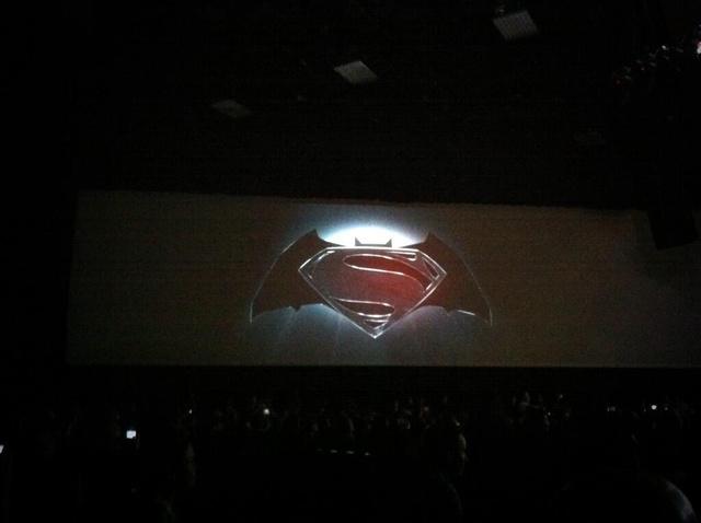 [Cine/Cómics] Es Oficial. Película de Batman y Superman en Camino…Pero eso no es lo importante