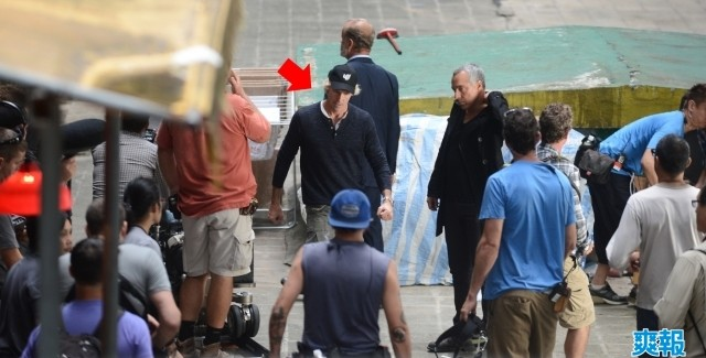 [Cine] Atacan a Michael Bay en set de Transformers 4.