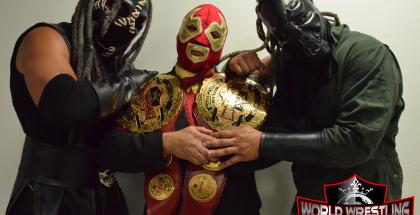 Su Majestad El Profe junto a Spectro y Kronya Legio, nuevos Campeones Mundiales de Parejas de la WWL